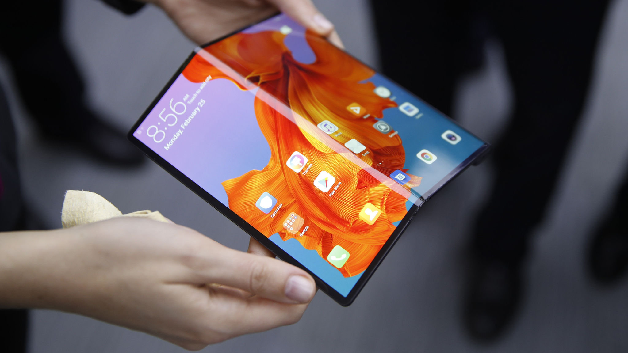 Huawei Mate X: One day with this foldable phone and I'm all in